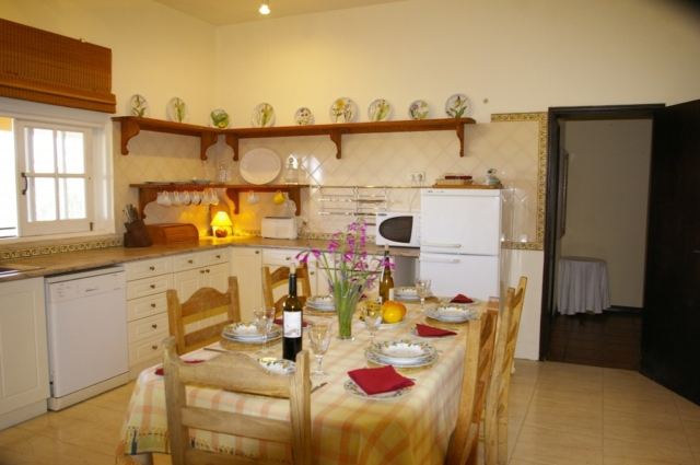 accessible kitchen, holiday accomodation for the disabled, wheelchair friendly, portugal