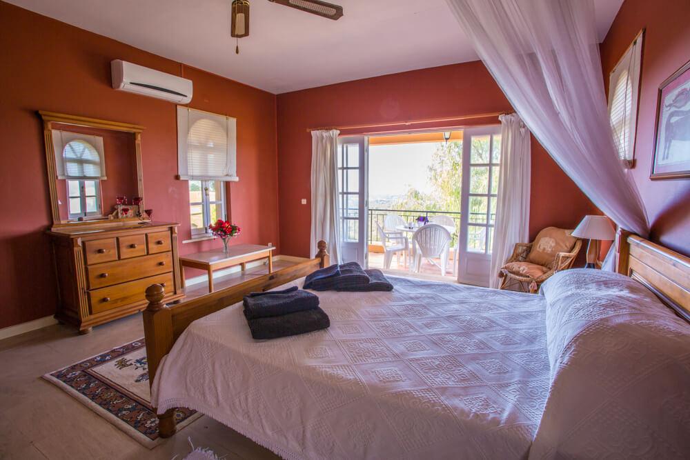 accessible holiday villa bedroom, villa for disabled holidays, algarve