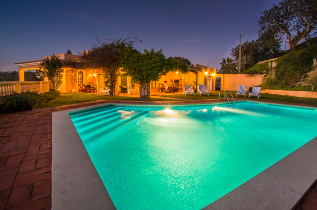 large accessible pool, pool lift, holidays for the disabled, villa, algarve, portugal