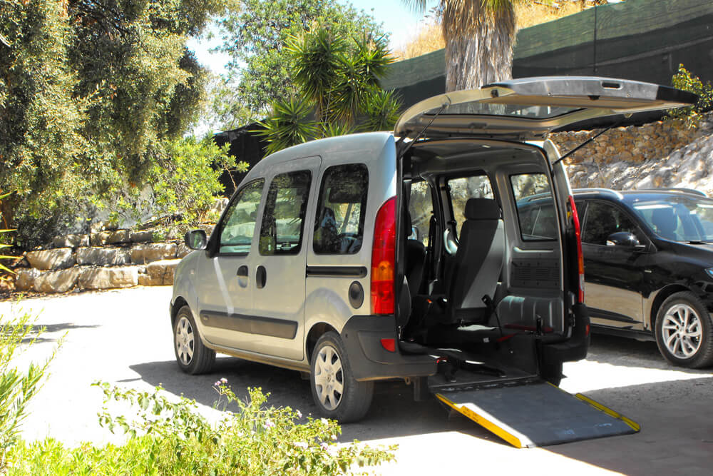 wheelchair accessible vehicle algarve