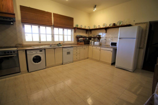 accessible holiday villa, accessible kitchen for wheelchair users