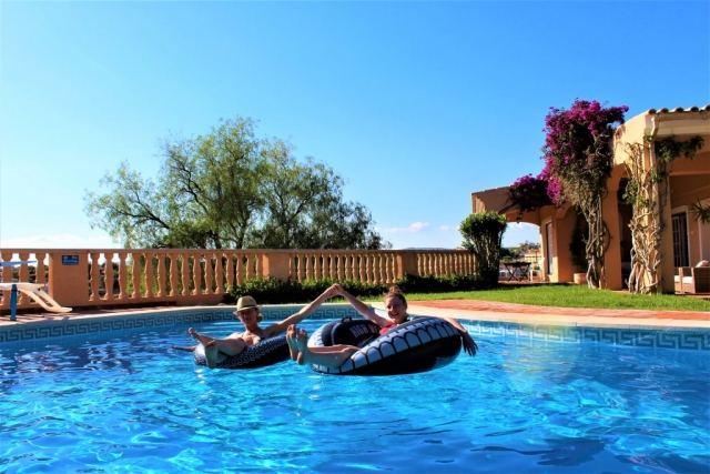 accessible pool with pool hoist for holidays in the algarve, Luz do sol