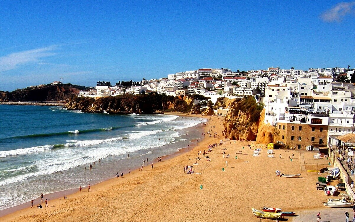 beach-in-albufeira-portugal-1920x1200