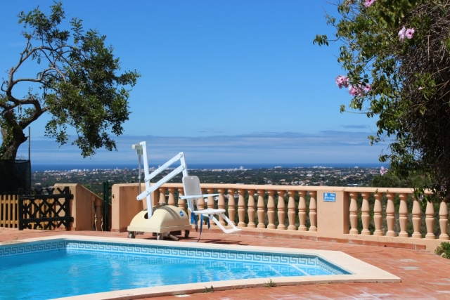 accessible pool lift, accessible villa, pool lift for the disabled, accessible holidays