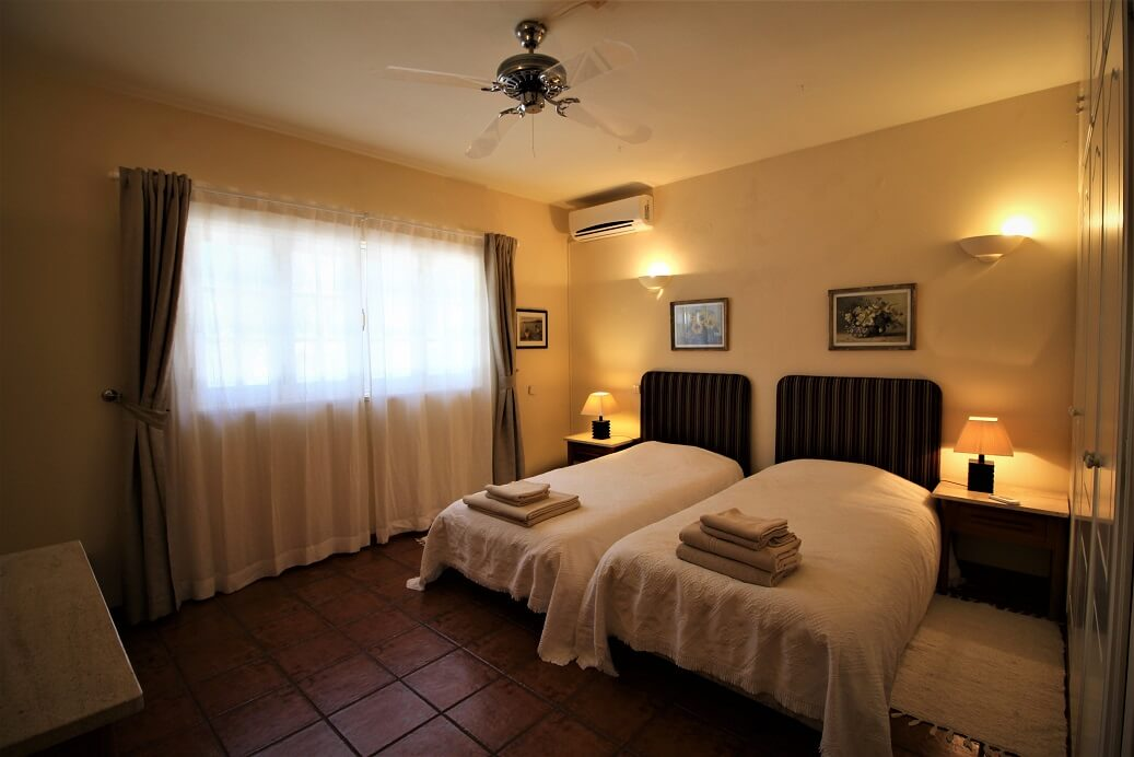 wheelchair friendly, accessible villa, holiday for the disabled algarve portugal